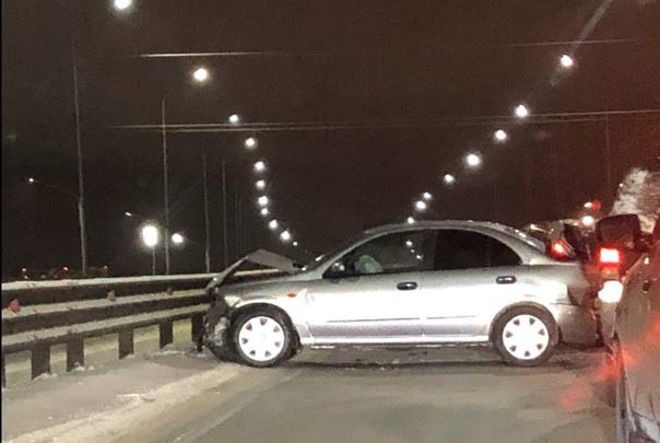 Массовая авария на тюменской объездной заблокировала движение для грузовых машин