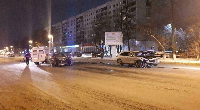 Infiniti Форд в центре Тюмени