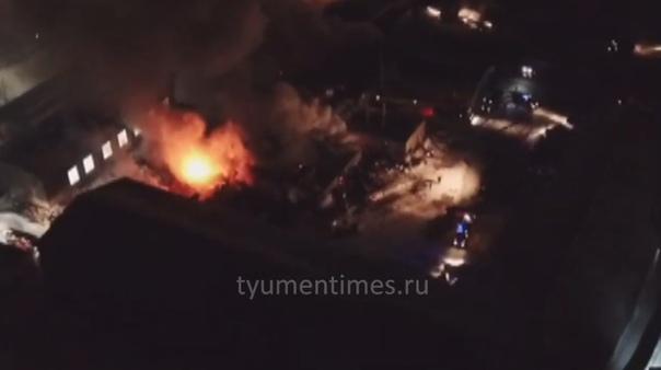 Крупный пожар у Воронинских горок сняли на ВИДЕО с дрона