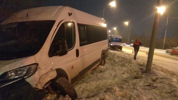 На Дамбовской микроавтобус сбил пожилую женщину: она скончалась в больнице