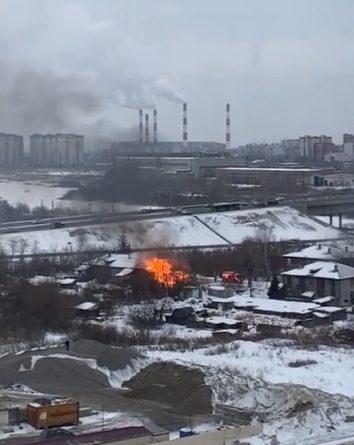 Береговая в огне. В тюменской Зареке горел очередной дом. ВИДЕО этого и предыдущих пожаров
