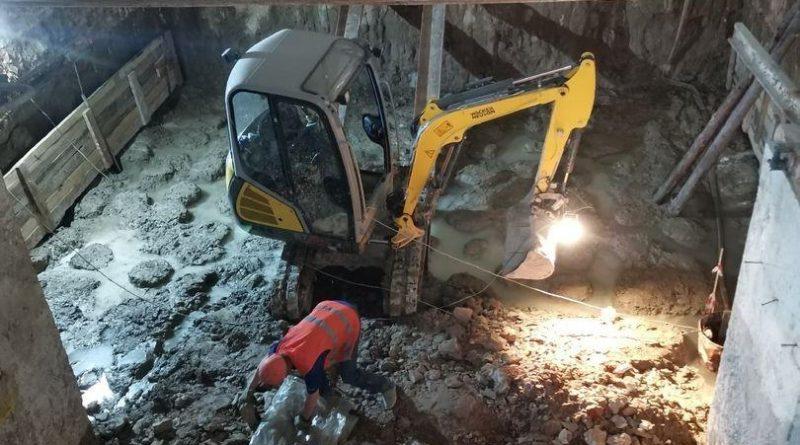 Сенсационаая находка: под алтарем в Спасской церкви нашли старинный гроб
