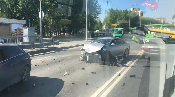 """Массовая авария в Зареке: Mazda """"собрала"""" три автомобиля"""