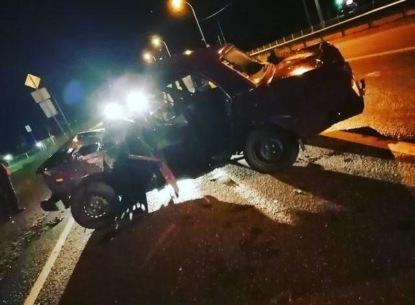 Трое несовершеннолетних на ВАЗе пострадали в ДТП на трассе Тюмень - Омск