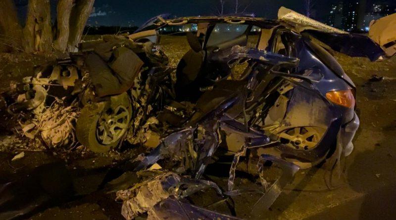 """Вечерняя авария на Лесобазе: """"Пежо"""" протаранил автобус, водитель легковушки погиб"""