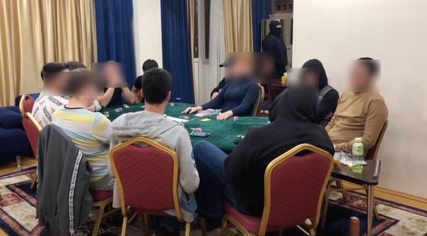 """Тюменские силовики """"накрыли"""" подпольное казино в центре Тюмени"""