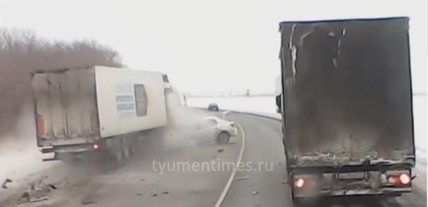 дтп ФУРА ТАКСИ тюмень омск