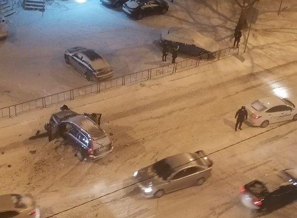 """""""Расхлетались так, что мама не горюй"""". Вечернее ДТП на Федорова, где пострадали пассажиры такси"""