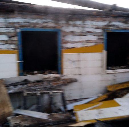 """В Тюмени опять сгорел частный дом: """"Вынуждены отапливаться электроприборами, что и привело к пожару"""""""