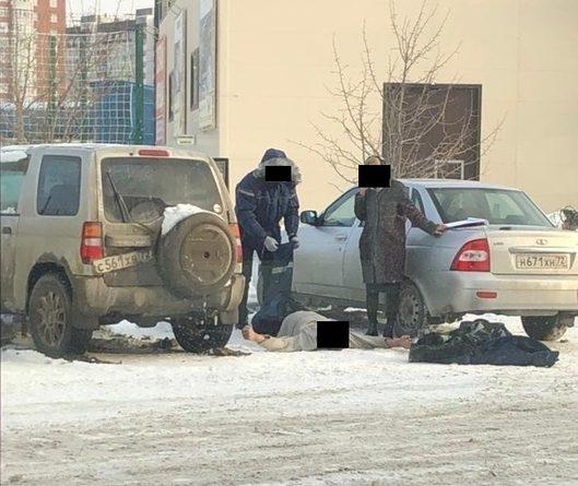 На Федюнинского в припаркованной машине нашли тело мужчины