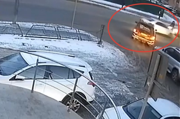 BMW снес женщину на Малыгина. Опубликовано ВИДЕО момента ДТП в Тюмени
