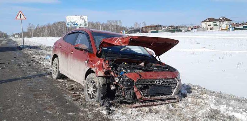 В аварии около Кулаково пострадали три человека