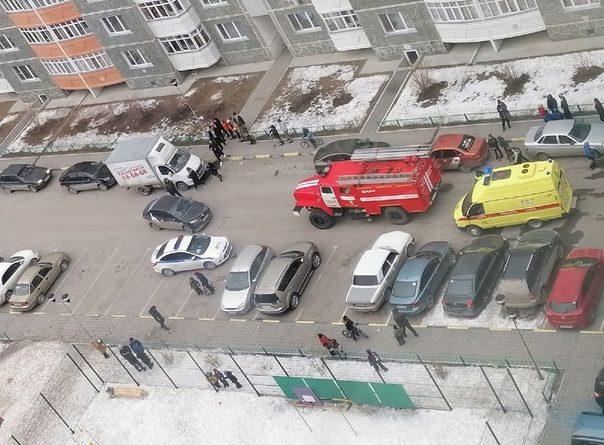Во дворе на Широтной такси сбило 7-летнего ребенка