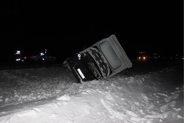"""Две """"Газели"""" столкнулись на трассе под Абатским: один водитель скончался в больнице"""