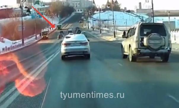 """Полицейские нашли двух """"гонщиков"""" по Никольскому мосту в центре Тюмени"""