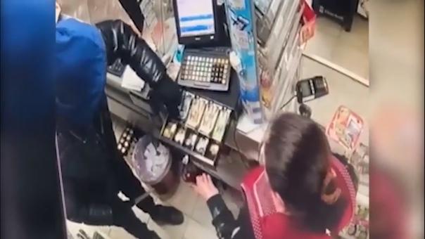 Безработный тюменец грабил киоски микрозаймов, а попался на грабеже продуктового магазина