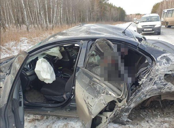 Трагедия на Червишевском тракте: Lancer на встречке влетел в автобус и BMW