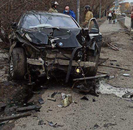 "Подробности жесткого ДТП у ""Яркого Сибиряка"": BMW на огромной скорости вылетел на тротуар и снес пенсионерку"