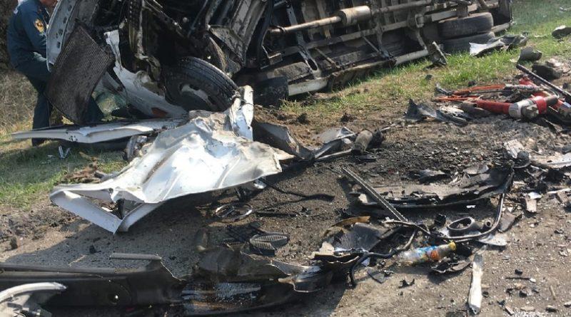 На курганской трассе Audi Q7 врезался в микроавтобус «Шадринск - Тюмень», пятеро погибших