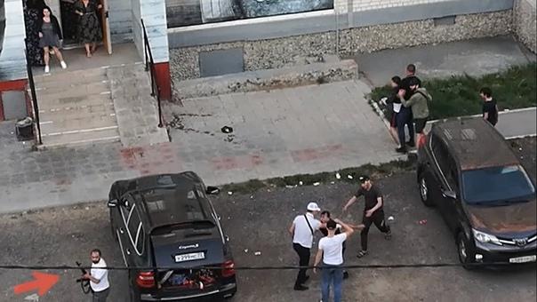 Опубликовано ВИЛЕО стрельбы во время пьяных разборок в тюменской Зареке