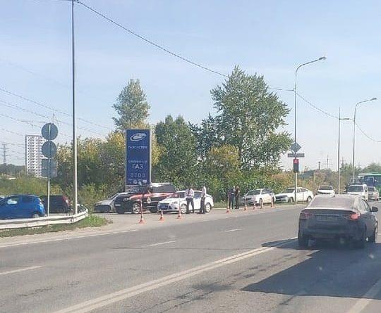 Оцепление силовиков на Лесобазе: очевидцы сообщают, что нашли труп человека